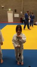 Eline wint de judoka dan de dag beker